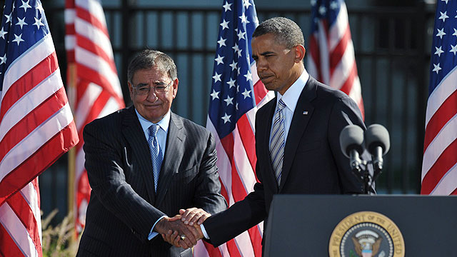 Panetta and Obama: Unusual criticism (Photo: AFP) (Photo: AFP)