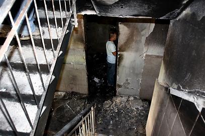 שריפה בבניין ברמלה בעקבות קצר בארון חשמל. בדקו את ממסר הפחת (צילום: אבי מועלם)