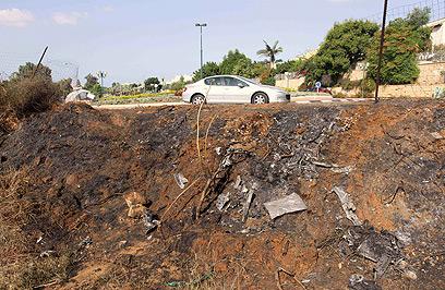 זירת פיצוץ הרכב, הבוקר (צילום: עידו ארז) (צילום: עידו ארז)