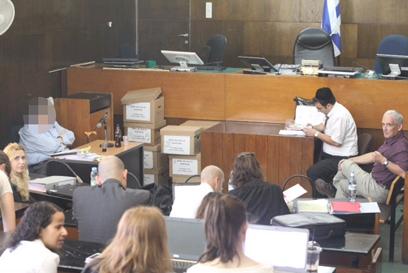 מעיד בבית המשפט המחוזי תל אביב (צילום: מוטי קמחי) (צילום: מוטי קמחי)