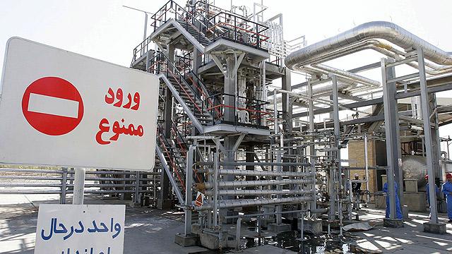מתקן מים כבדים באראק שבאיראן (צילום: gettyimages)