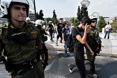 יותר מ-6,000 שוטרים פוזרו ברחובות אתונה (צילום: AFP) (צילום: AFP)