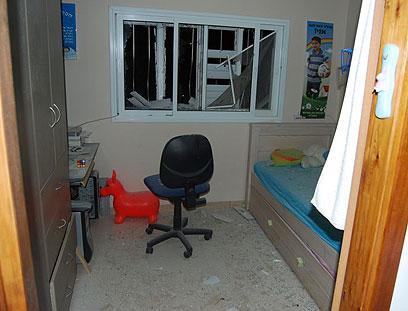 בתוך בית שנפגע (צילום: זאב טרכטמן)
