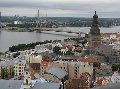 נהר דוגבה ממגדל כנסיית סנט פטר בריגה (צילום: איילת נעמן- חברת אופקים) (צילום: איילת נעמן- חברת אופקים)