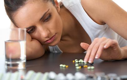 פורשים מהטיפול התרופתי לפני שהמצב משתפר (צילום: shutterstock) (צילום: shutterstock)
