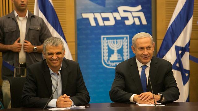 Kahlon and Netanyahu (Photo: Ohad Zwegenberg)