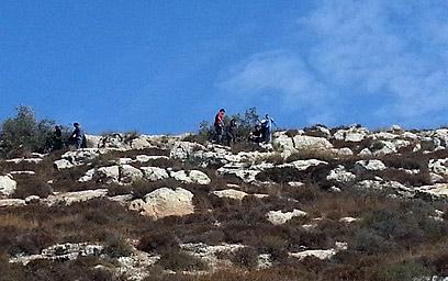 הפלסטינים שצולמו על-ידי המתנחלים (צילום: ועד מתיישבי שומרון) (צילום: ועד מתיישבי שומרון)
