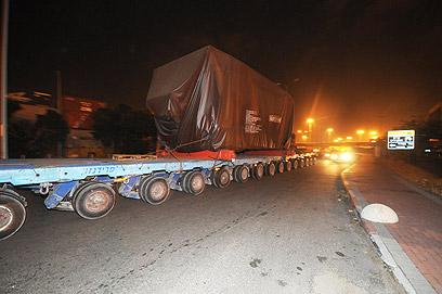 משאיות שמובילות טילי פטריוט. תורגש תנועה ערה (צילום: אבי רוקח) (צילום: אבי רוקח)