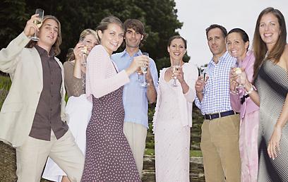 החברים מתגרשים? עוד סיבה למסיבה (צילום: shutterstock) (צילום: shutterstock)