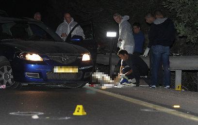 ירה מהרכב, כשחברתו לצדו (צילום: גיל יוחנן) (צילום: גיל יוחנן)