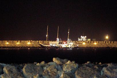 """""""אסטל"""" בנמל אשדוד (צילום: אבי רוקח) (צילום: אבי רוקח)"""