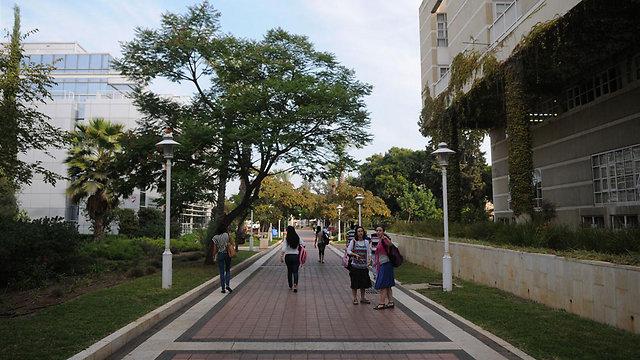 אוניברסיטת בר אילן. שכונת עמידר ברמת גן הכי קרובה (צילום: ירון ברנר)