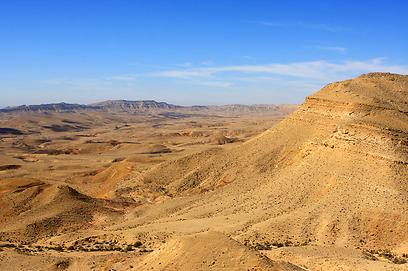 כבש את המקום השני בלונלי פלנט. המכתש הגדול בנגב (צילום: shutterstock) (צילום: shutterstock)