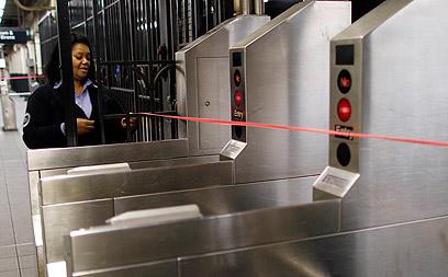 יותר מ-400 תחנות הרכבת התחתית נסגרו (צילום: רויטרס) (צילום: רויטרס)