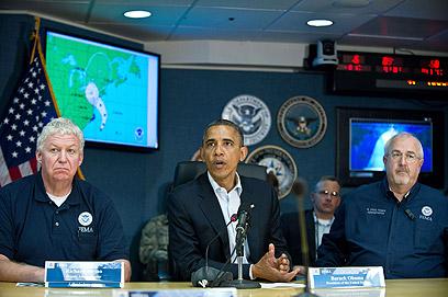 יפגין מנהיגות? אובמה בחדר המצב בוושינגטון (צילום: AFP) (צילום: AFP)