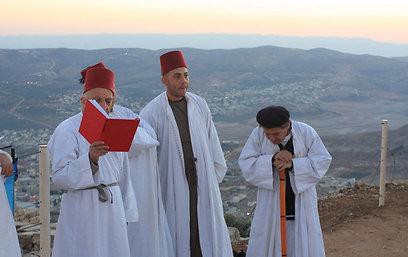 קדושת חמשת חומשי תורה. השומרונים עולים לרגל (צילום: איתן אלחדז) (צילום: איתן אלחדז)