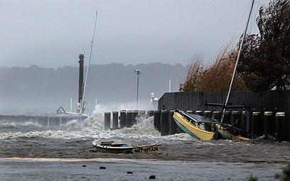 סירות בחוף המזרחי (צילום: רויטרס) (צילום: רויטרס)