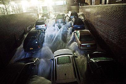 כלי רכב במנהרה ברובע העסקים בני יורק (צילום: AFP) (צילום: AFP)