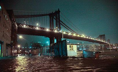 גשר ברוקלין, הלילה (צילום: AP) (צילום: AP)