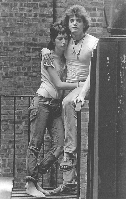 פטי סמית ורוברט מייפלת'ורפ. ניו יורק של שנות ה-70 (מתוך הספר) ()