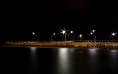 """התמונה שזכתה בפרס חביבת הקהל. נמל ת""""א בלילה (צילום: ניצן זהבי) (צילום: ניצן זהבי)"""