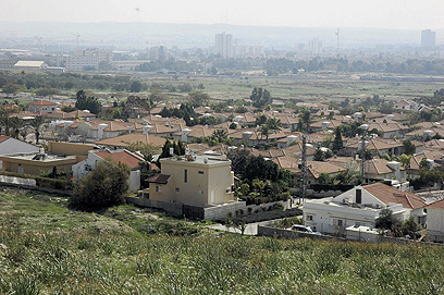 שכונת רמות בבאר שבע. משליכה לטובה על השכונות החדשות שנבנות לצדה (צילום: הרצל יוסף)