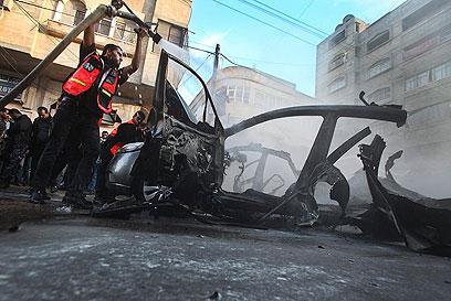 המכונית, אחרי (צילום: EPA) (צילום: EPA)