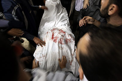 גופתו של ג'עברי (צילום: EPA) (צילום: EPA)