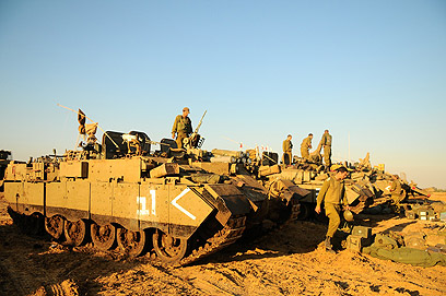 Israeli tanks near Gaza border (Photo: IDF Spokesperson's Unit)