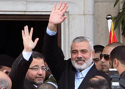הפכו מחוזרים. הנייה וראש הממשלה המצרי (צילום: רויטרס)