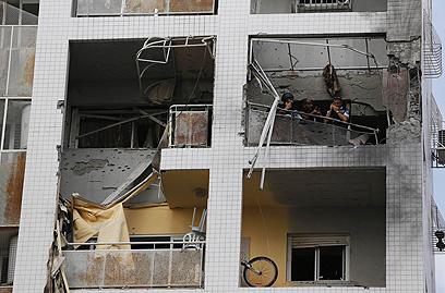 בניין שנפגע באשדוד (צילום: רויטרס) (צילום: רויטרס)