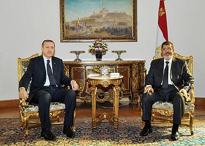 מורסי וארדואן בטורקיה (צילום: AFP) (צילום: AFP)
