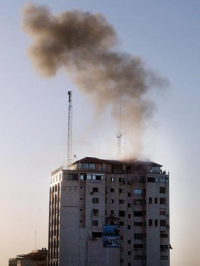 תקיפת מרכז התקשורת (צילום: רויטרס)
