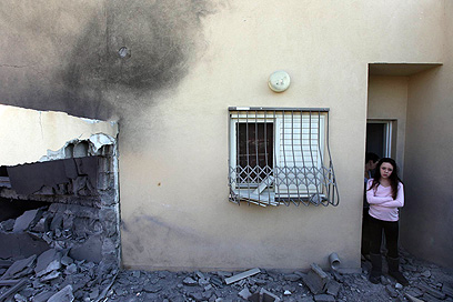 בית שספג פגיעה ישירה בבאר שבע, הבוקר (צילום: גיל יוחנן) (צילום: גיל יוחנן)