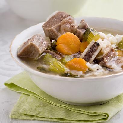 עמוס בכל טוב. מרק ירקות ובשר (צילום: בועז לביא) (צילום: בועז לביא)