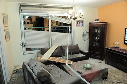 דירת מגורים בבניין שנפגע בראשון לציון (צילום: יוני אברהם) (צילום: יוני אברהם)