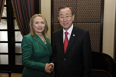 Clinton and Ban in Israel to promote truce (Photo: AFP)