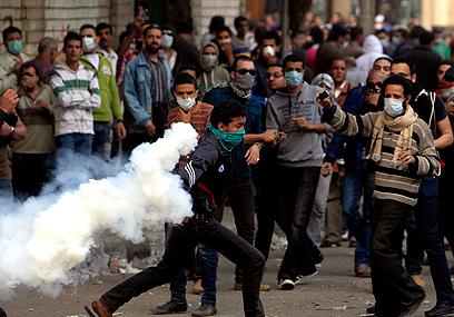 Anti-Morsi riots in Cairo (Photo: Reuters)