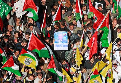 המונים הגיעו לעצרת בחברון (צילום: AFP) (צילום: AFP)