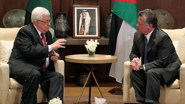 Jordanian King Abdullah meets with Palestinian President Abbas (Photo: Reuters)