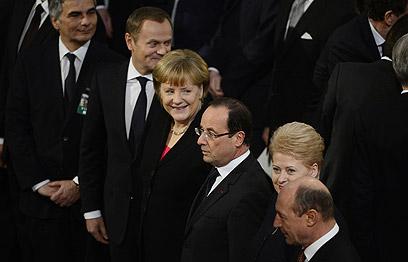 הפיוס הגדול של אירופה. מרקל מגרמניה והולנד מצרפת (צילום: AFP) (צילום: AFP)