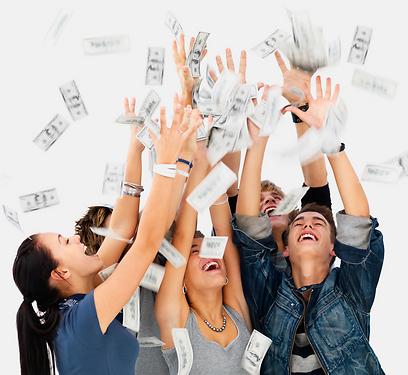 בני נוער - אל תשחקו עם הכסף, חסכו אותו (צילום: shutterstock) (צילום: shutterstock)