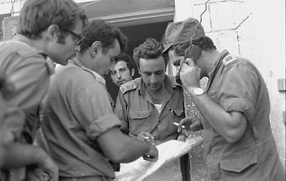"""1973: אמנון ליפקין-שחק במלחמת יום כיפור  (צילום: משרד הביטחון, ארכיון צה""""ל ומערכת הביטחון ) (צילום: משרד הביטחון, ארכיון צה"""