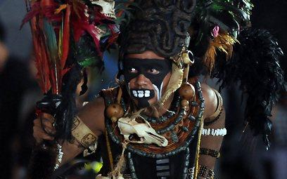 מחקים טקס של המאיה בגואטמלה (צילום: AFP) (צילום: AFP)