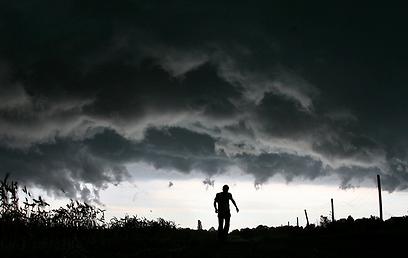 לצפות לאסון, להתכונן, לחזור בתשובה (צילום: AFP) (צילום: AFP)