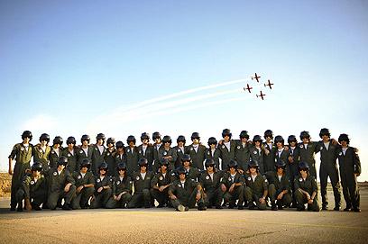 """מסיימי מחזור 165 של קורס הטיס  (צילום: דובר צה""""ל) (צילום: דובר צה"""