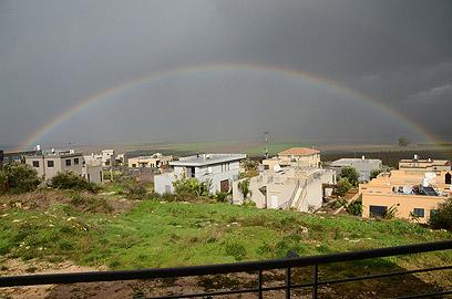 קשת אחרי הסערה בעמק יזרעאל  (צילום: אריה בריינס  ) (צילום: אריה בריינס  )