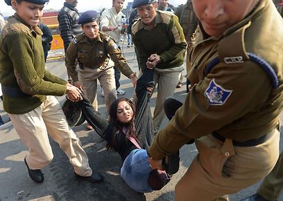 כמה מפגינים נעצרו (צילום: AFP) (צילום: AFP)