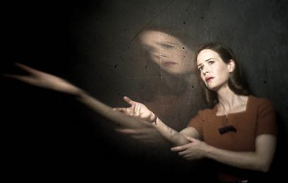 משבחת את ג'סיקה לאנג. שרה פולסון (צילום: רשת FX)