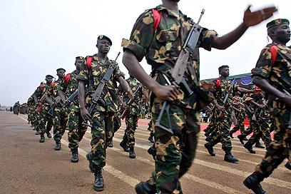 קיבלו סיוע מצבא דרום אפריקה. כוחות הרפובליקה המרכז אפריקנית (צילום: AFP)